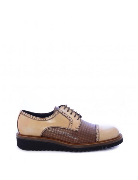Ανδρικά παπούτσια δετά Derby σε μπεζ χρώμα