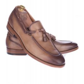 Loafers με Φουντάκια Ταμπά